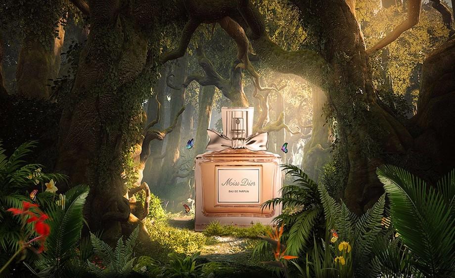 ps-香水产品合成-森林场景